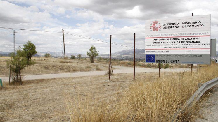 Tramo de la carretera de Las Gabias pendiente de iniciar las obras. Foto: Álex Cámara