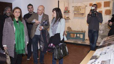 El Torreón de Las Gabias acoge por primera vez una exposición organizada por el Patronato de la Alhambra