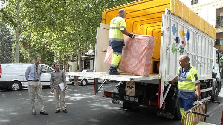 La campaña aprovecha la época estival en la ciudad. Foto: Javier Algarra